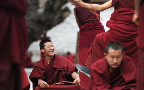 Densa Chenmo Sum-Explore Tibet.