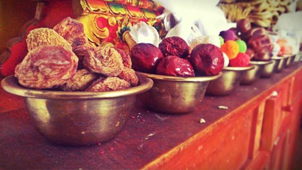 Seven Sacred Water Offering – Tibetan Buddhism Practice