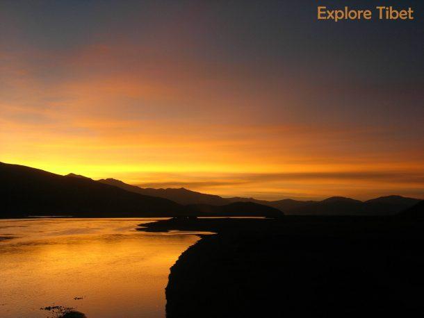 Lake Manasarovar - Tibet Attraction