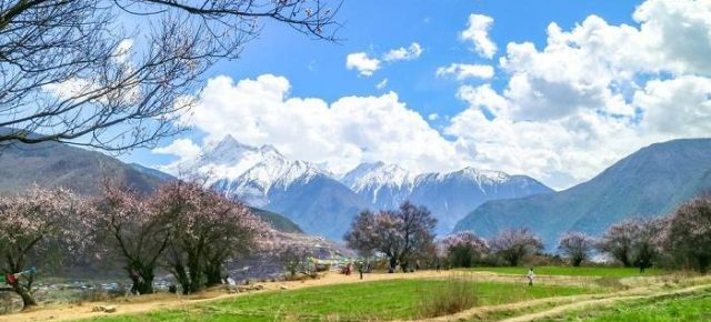 Spring is in the air as Tibet opens for the 2018 Tourist Season