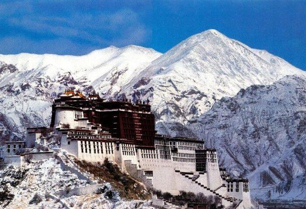 Traveling in Tibet in Winter