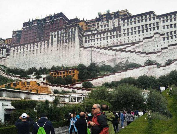 Spending Christmas in Tibet on a Tibet Winter Tour