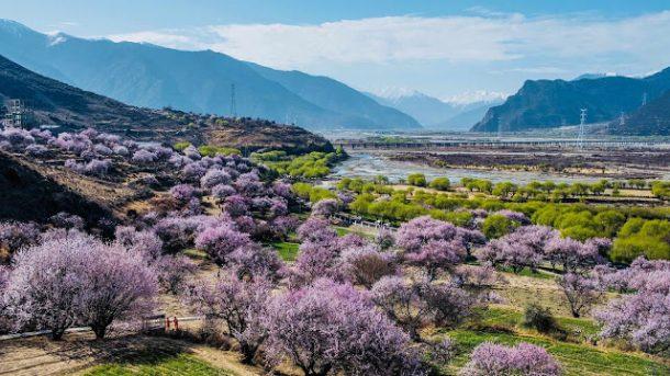 "Touring Tibet in the Summer ""Rainy"" Season"