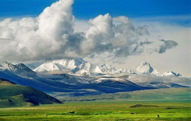 Spectacular Scenery of the Qinghai Tibet Railway to Lhasa