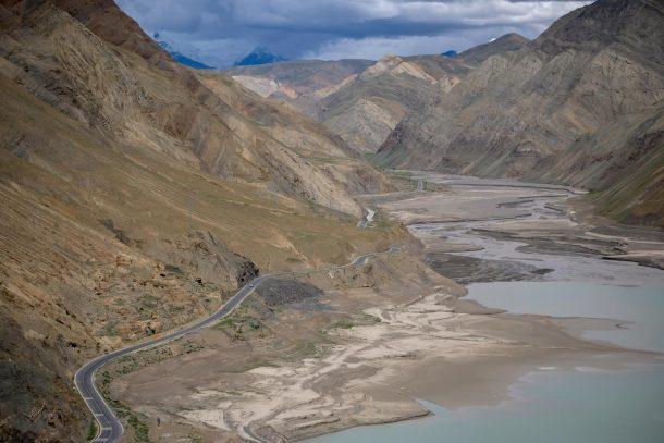The Grand Yarlung Tsangpo - Cradle of Tibetan Civilization