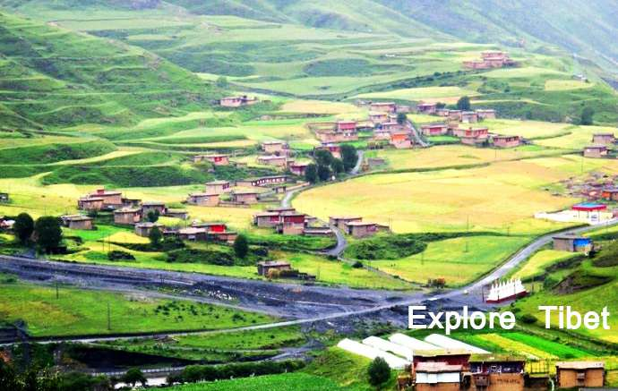 Dzongsar Valley -Explore Tibet