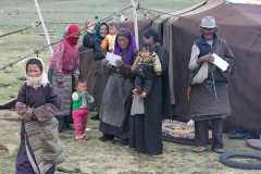 12-Nomads-family-at-Namtso