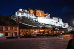 Potala-Palace-at-night