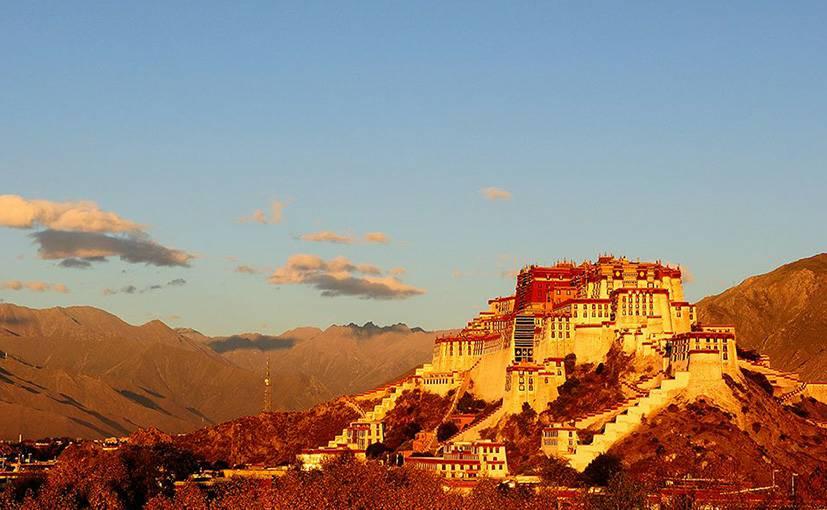 Potala palace by Explore Tibet