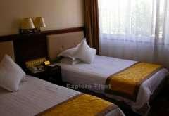 Shigatse hotel bedroom