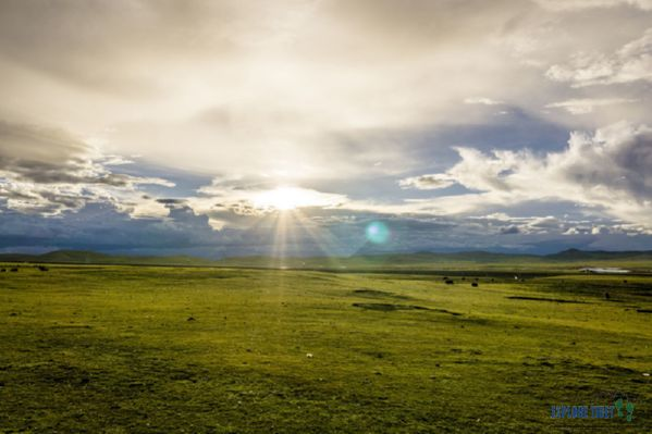 The vast and beautiful Changtang Grasslands in northern Tibet